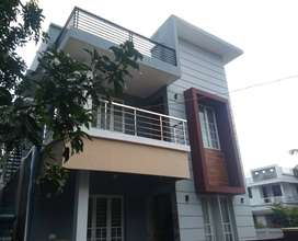 A NEW STUNNING 3BED ROOM 1300SQ FT 3CENTS HOUSE IN KALATHODE,THRISSUR