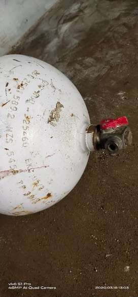 CNG cylinder in Excellent condition