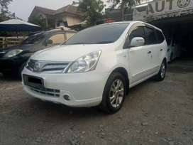 Nissan Grand Livina Ultimate 1.5 AT Th 2012 Putih Mempesona Tdp 7jt