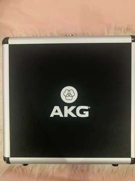 Paket Lengkap Rekaman Microphone AKG P220 & focusrite solo