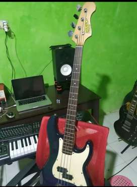 Bass gitar caraya model fender precision