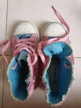 Sepatu Frozen bekas uk.29