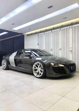 Audi R8 4.2L V8 black 2011 km 6 rb pemakai