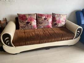 3+1+1 sofa set + Sofa Cushions + Centre Table in good condition