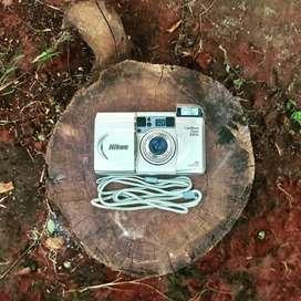 Kamera analog Nikon lite touch zoom 100w