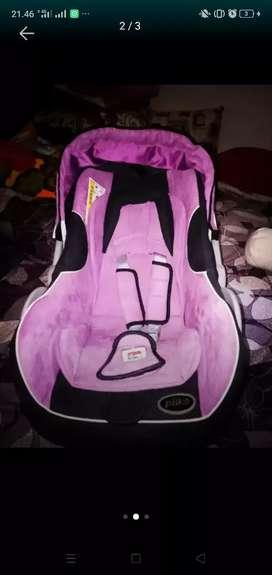BABY CAR SEAT / BABY CARRIER PLIKO
