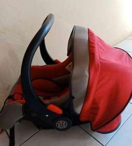 Car seat baby carier Babydoes merah
