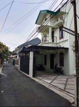 Rumah Kost kostanTebet Timur, 11 Kamar, Carport 6 Mobil kos kosan