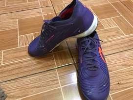 Sepatu futsal light speed 2