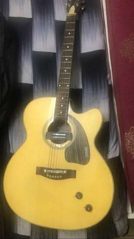Givson semi electric guitar in new condition