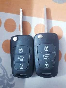 Original Hyundai i20 keys, 2 in number