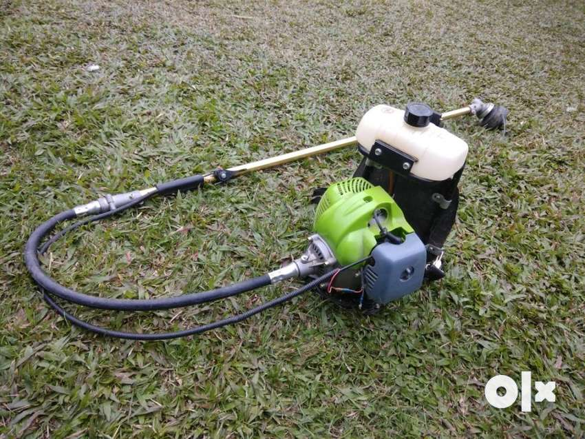 grass cutter,uses petrol, with bag and back 0