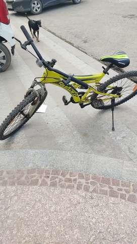 Hercules Roadeo A 200 26T(Mountain cycle)