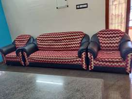 5 seat sofa (3+1+1) in great condition
