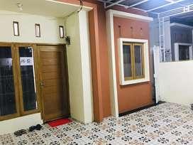 Disewakan Rumah Dengan Perabot (Khusus Rumah Tangga)