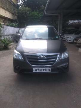 Well maintained innova g4 8 seater