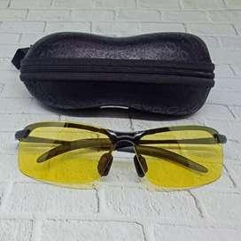 Sunglasses Kuning (Free Kotak dan Lap Kacamata)