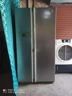 Want to sell my branded LG double door refrigerator bargaining also..