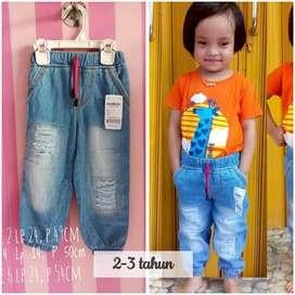 Jeans anak (6 bulan-1 tahun)