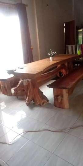 Di jual 1 set meja kursi kayu gamalina, kursi mahoni