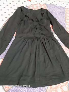 Very beautiful dress worn only 2 times, fresh condition