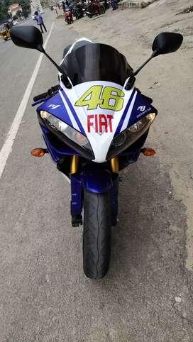 Yamaha R1 super bike