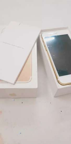 iPhone 7 128gb with bill box sellers warranty