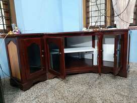 Corner TV stand, with cupboard, wooden,well maintained