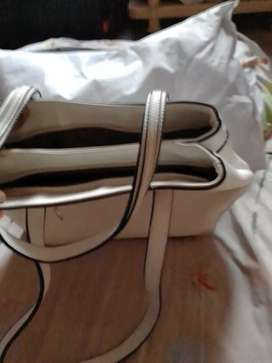 Hand bag with white colour