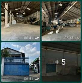 PABRIK PLASTIK. DIJUAL LUAS  1 HA. LB  7400 M2. SURAKARTA
