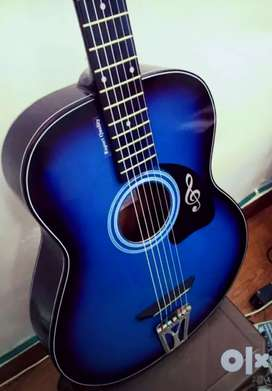 New Acoustic guitar for sale in lowest price
