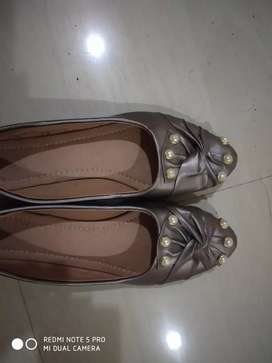 Selling New Belly shoes