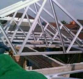 melayani merangkai atap baja ringan DAYA TAHAN TERJAMIN