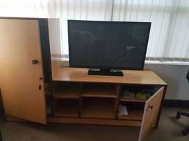 Wardrobe cum TV unit well built and strong