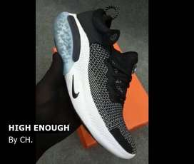 Nike Joyride Run Flyknit - Black & White With Black Sole