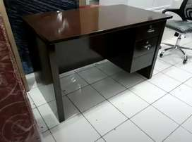 Meja Kantor kualitas Premium MDF Glossy Baru uk. 120 x 70 x 74cm