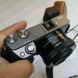 Kamera Mirrorless Sony ILCE - A6000, Fullset,Like new, Garansi resmi.