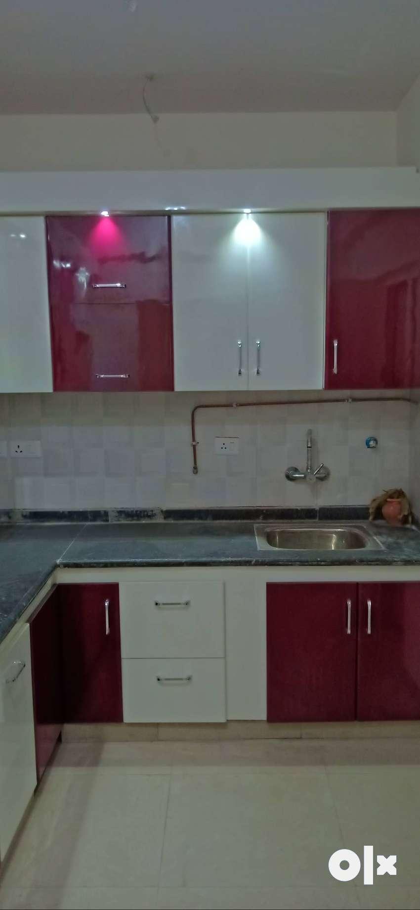 2bhk semi furnished available in nirala aspire 0