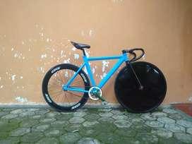 Sepeda fixie custom