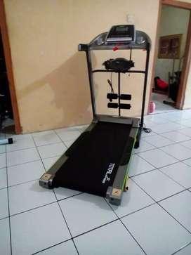 Treadmill elektrik 3 fungsi TL 288 total fitness ZY514