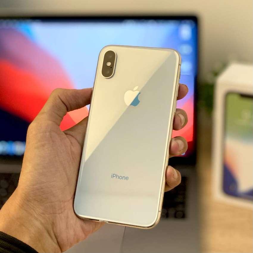Bergaransi! iPhone X 64 GB Silver