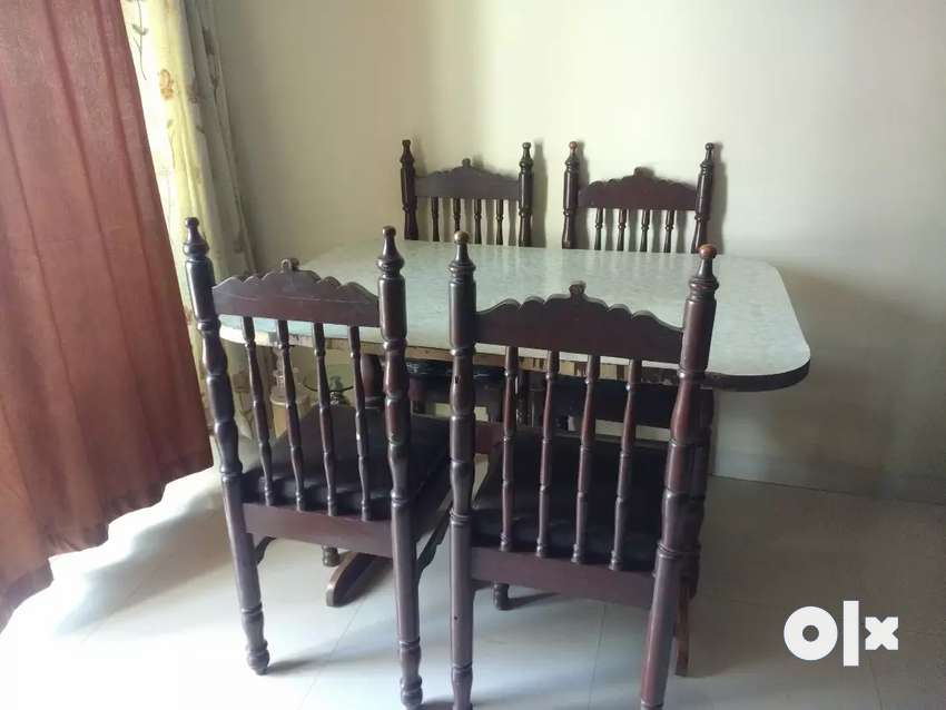 Dining table with 4 chairs 0