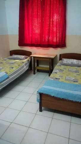 Accomodation available for girls on monthly basis.secure home envt .