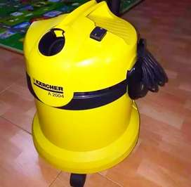 KARCHER A 2004 WET & DRY VACUUM CLEANER