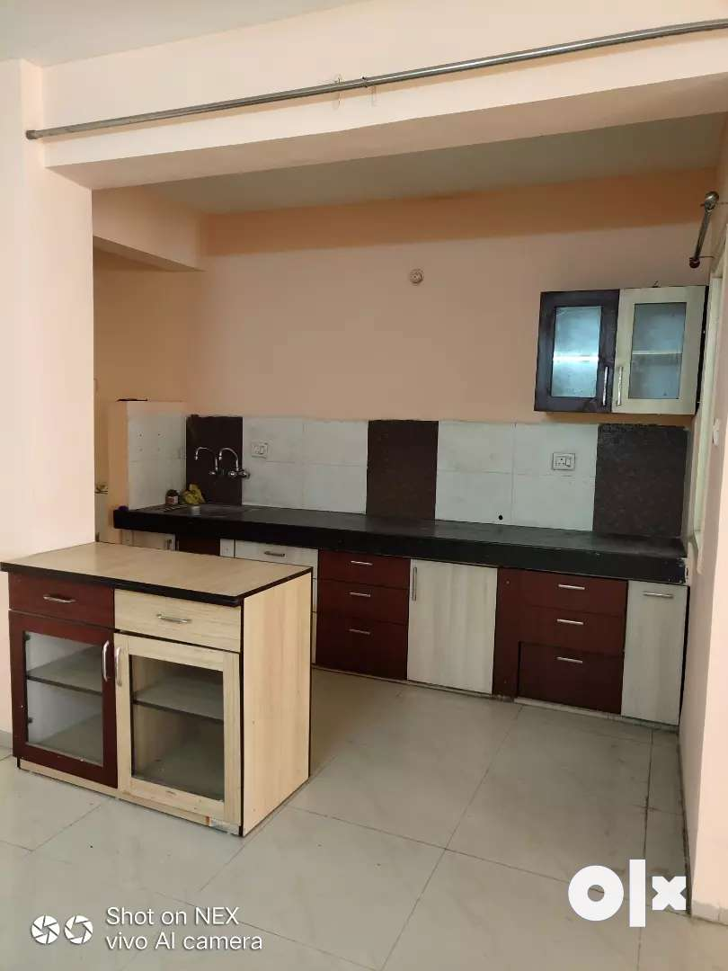 Near c21 mall 3bhk flat available on rent only for families call me 0