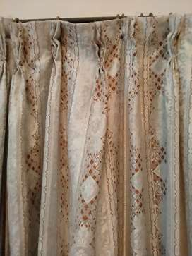 CURTAINS ( Pardey ) are available in EXCELLENT CONDITION