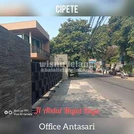 Rumah Untuk Usaha / Kantor, Design Cantik 2 Lantai Di Cipete Utara
