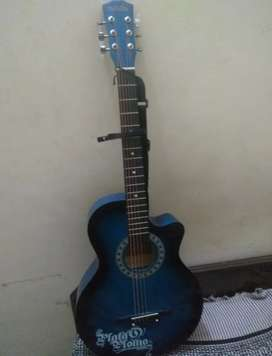 Brand new guitar with bag and some pics..not used at all