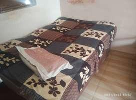 6*4 bed with headrest (sirhana)