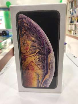 Iphone Xs  Max (512 GB) in BRAND NEW  smartphone that effort